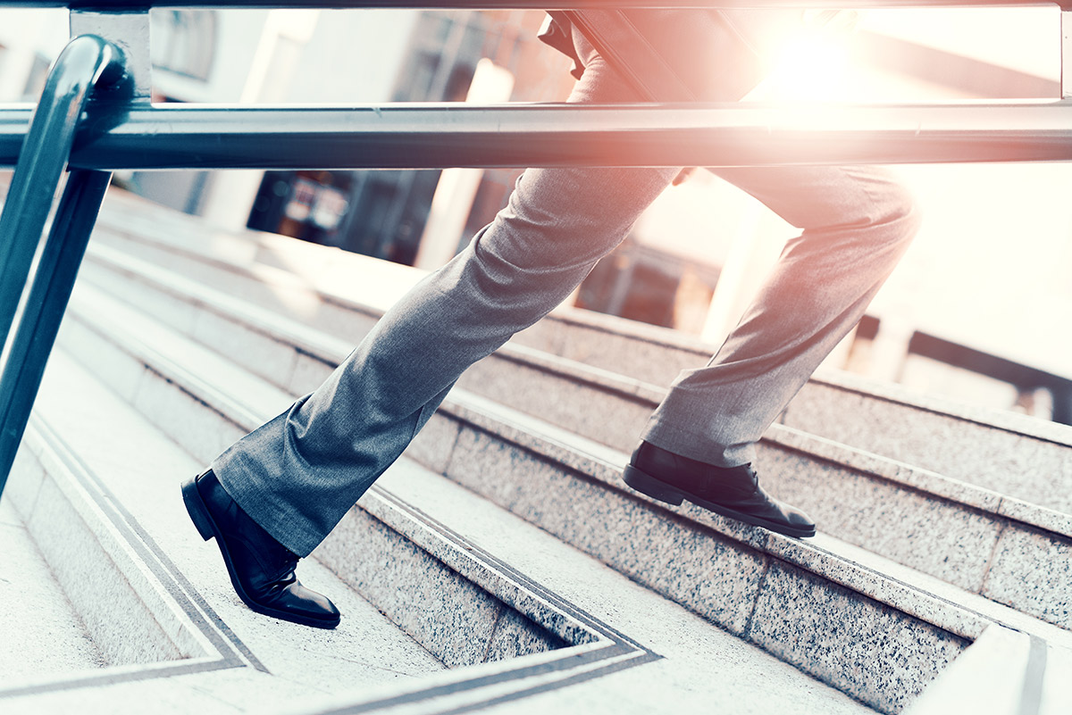 How-Top-Sales-Professionals-Think-On-Their-Feet-5-Best-Practices.jpg