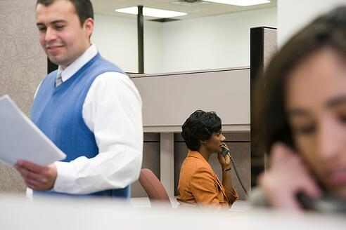 Selling-in-a-Busy-Call-Center-What-You-Need-To-Know.jpg