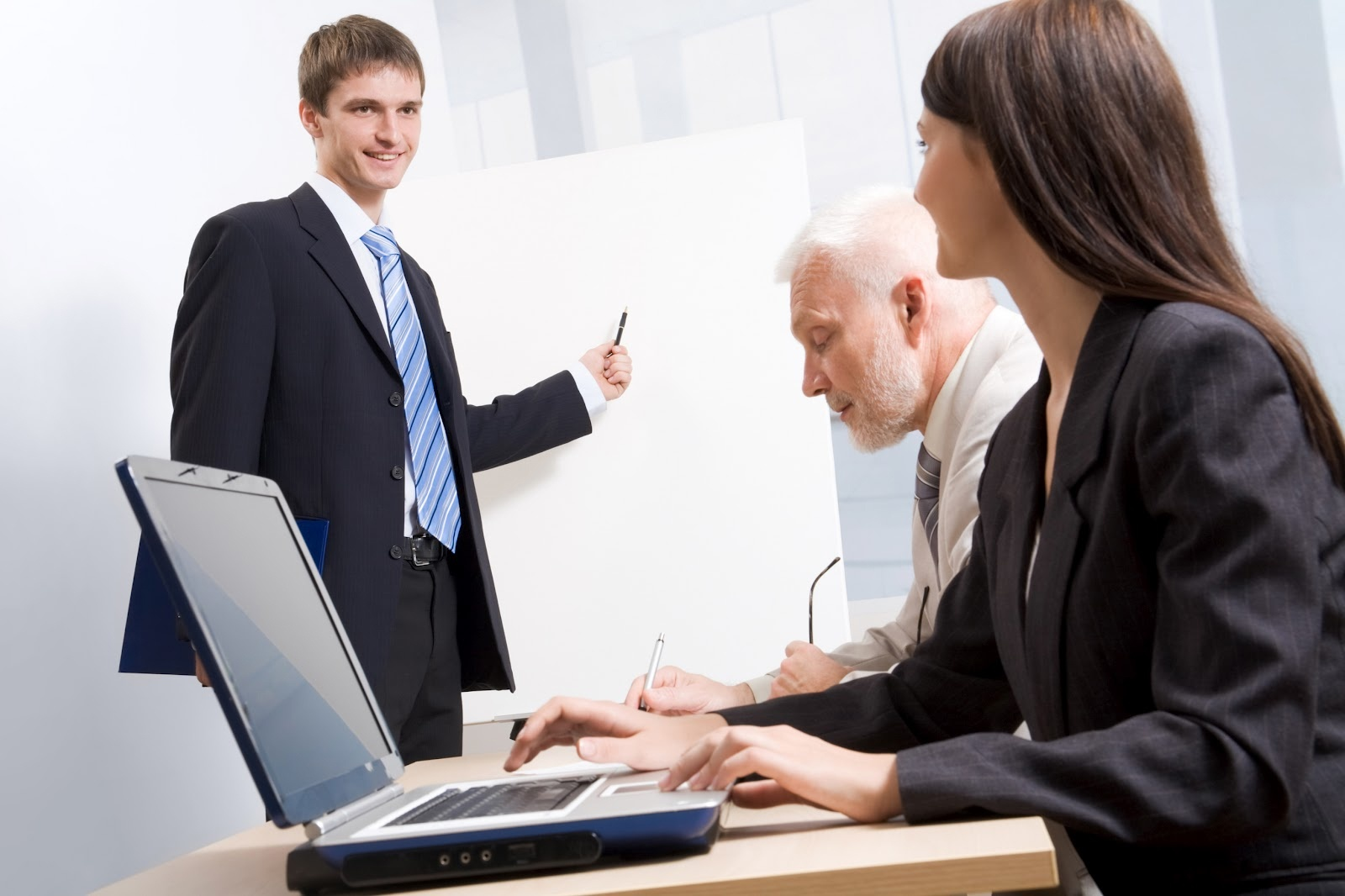 Effective Sales Coaching, Not Micromanaging